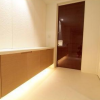 2LDK Apartment to Rent in Minato-ku Entrance