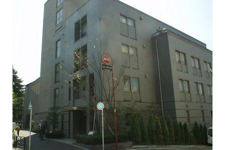 5LDK Apartment to Rent in Meguro-ku Exterior