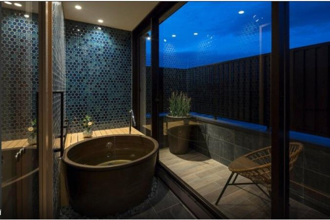 Whole Building Hotel/Ryokan to Buy in Kyoto-shi Shimogyo-ku Bathroom