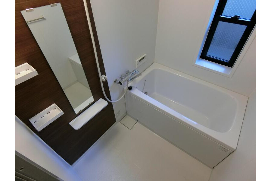 Shared Apartment to Rent in Kyoto-shi Sakyo-ku Bathroom