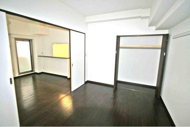 1LDK Apartment to Rent in Shinjuku-ku Interior