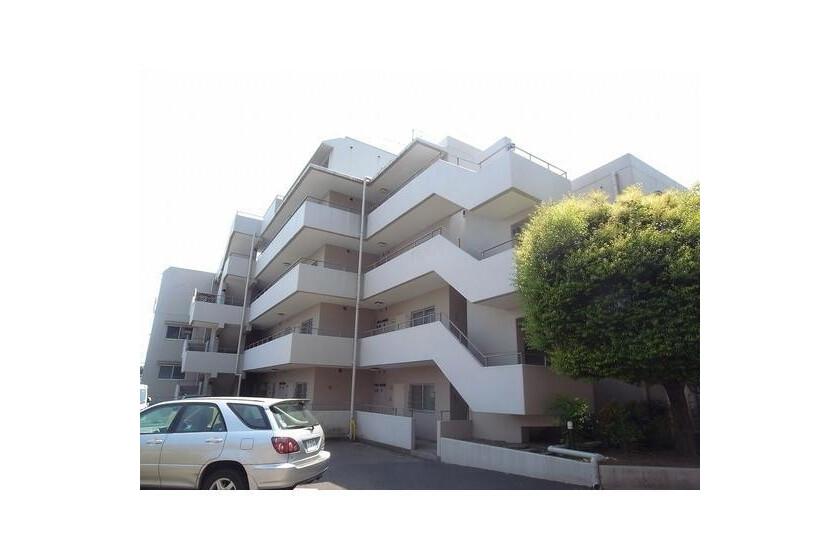 3LDK Apartment to Rent in Kawasaki-shi Tama-ku Exterior