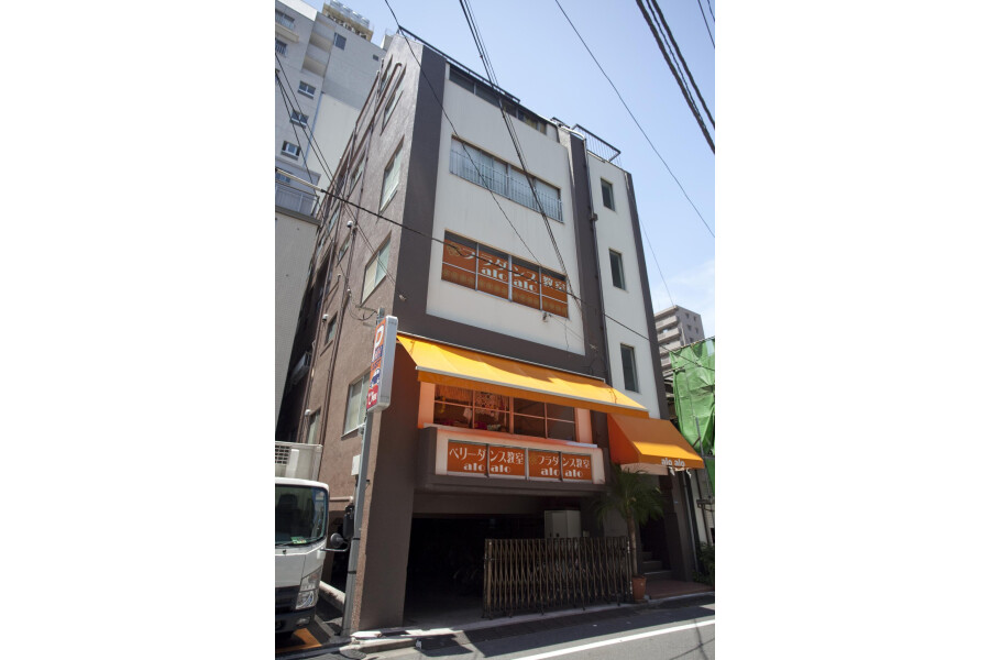 Shared Guesthouse to Rent in Taito-ku Exterior