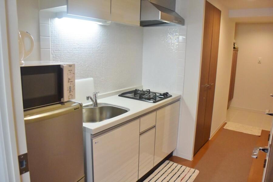 1LDK Apartment to Rent in Osaka-shi Kita-ku Kitchen
