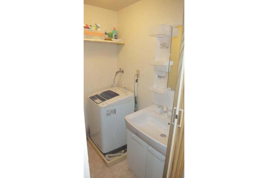 3DK Apartment to Rent in Osaka-shi Minato-ku Washroom
