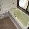 6SLDK Apartment to Rent in Matsubara-shi Bathroom