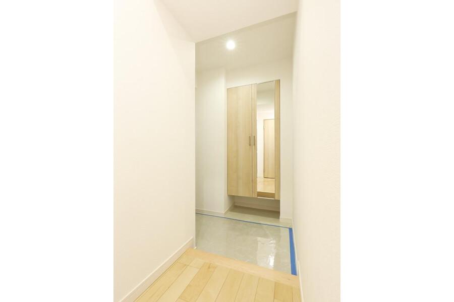 2LDK Apartment to Buy in Bunkyo-ku Entrance