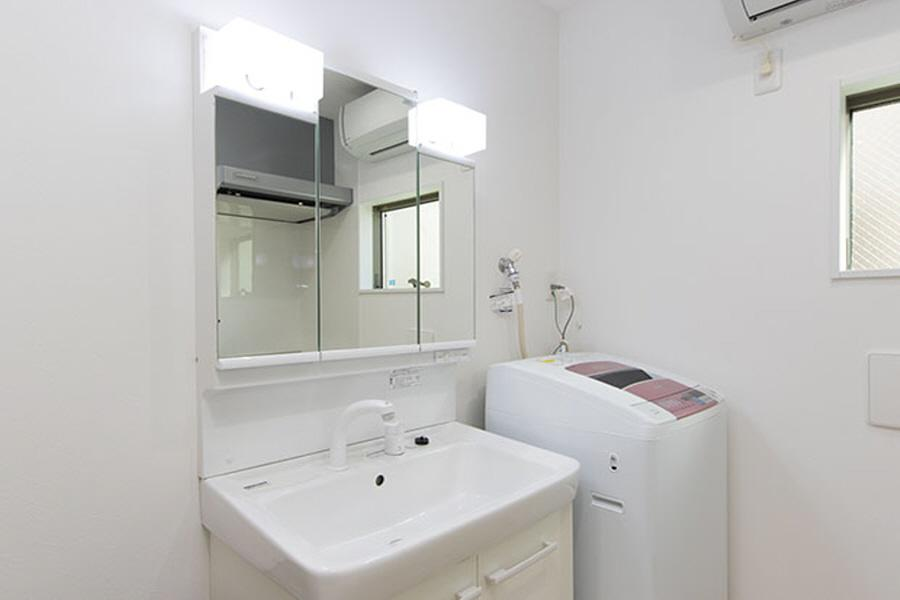Private Guesthouse to Rent in Nerima-ku Washroom