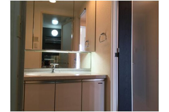 1LDK Apartment to Buy in Shinagawa-ku Washroom