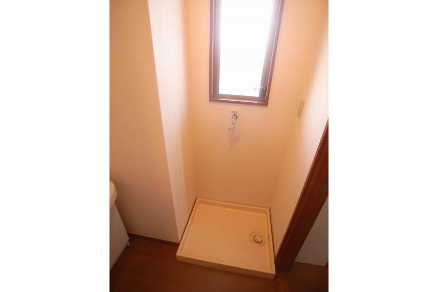 2DK Apartment to Rent in Setagaya-ku Outside Space