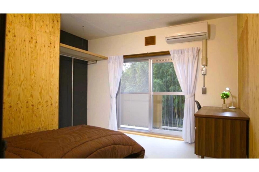Private Guesthouse to Rent in Muko-shi Outside Space