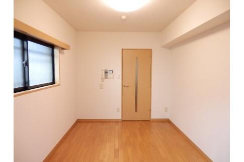 1K Apartment to Rent in Shinjuku-ku Exterior