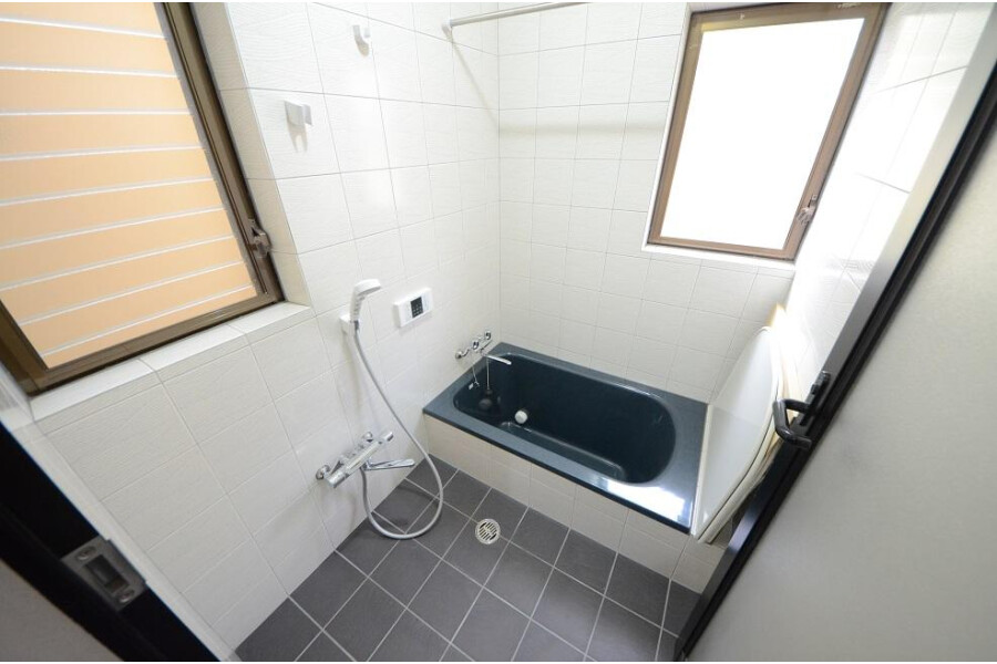 4LDK House to Buy in Kyoto-shi Sakyo-ku Bathroom