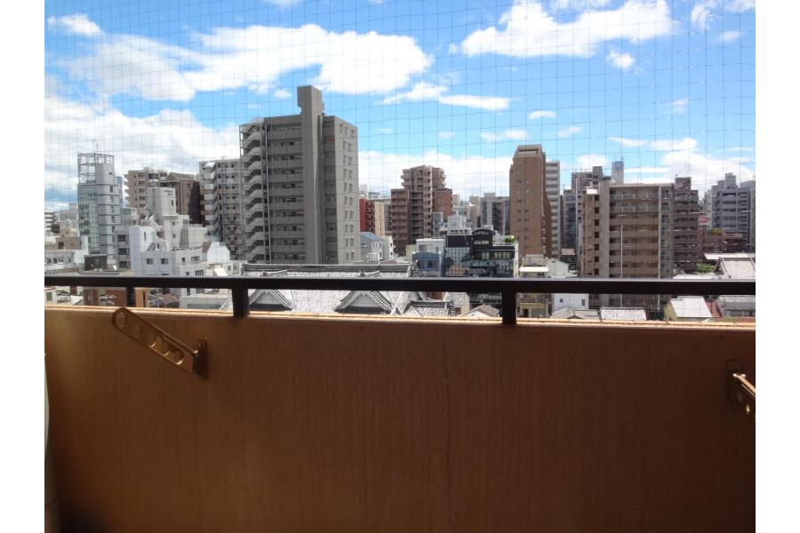 1K Apartment to Rent in Osaka-shi Chuo-ku Balcony / Veranda