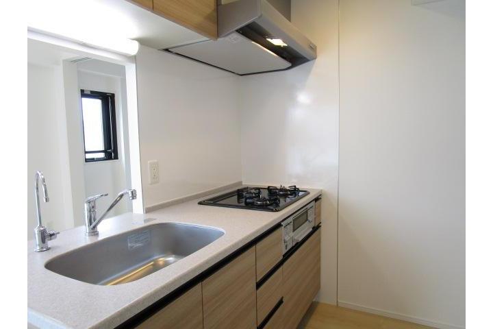 2LDK Apartment to Rent in Taito-ku Kitchen