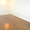 1R Apartment to Rent in Chofu-shi Living Room