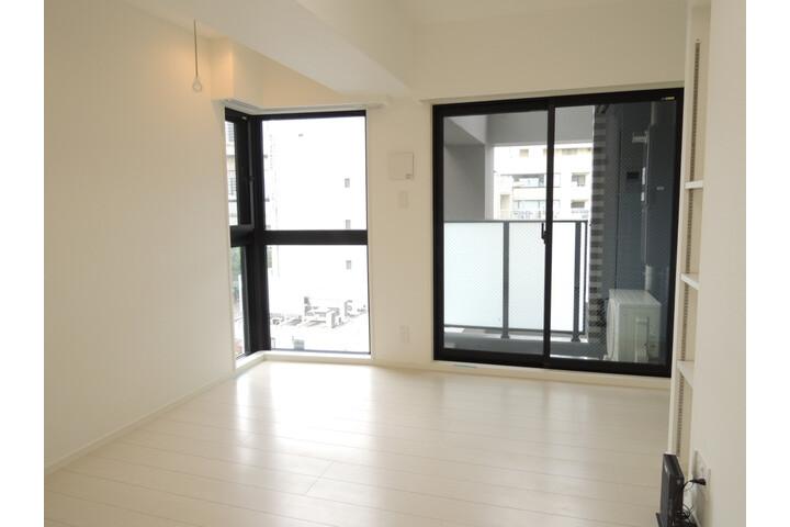 1K Apartment to Rent in Koto-ku Living Room