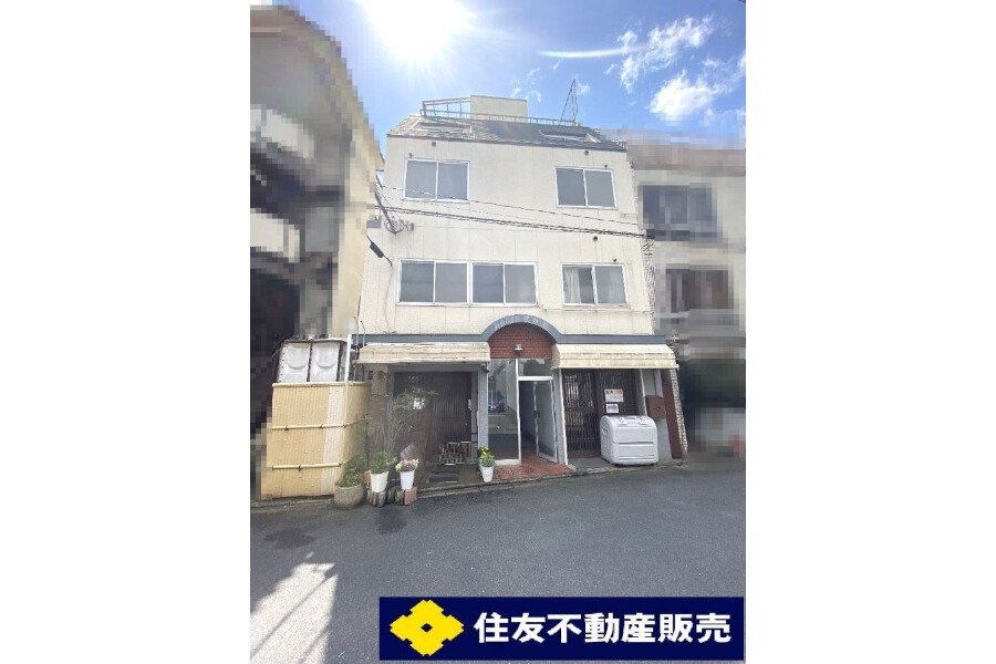 Whole Building Apartment to Buy in Kyoto-shi Higashiyama-ku Exterior