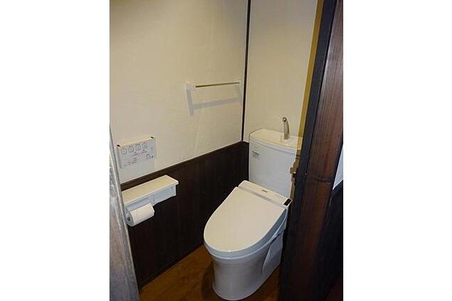 1K House to Buy in Kyoto-shi Shimogyo-ku Toilet