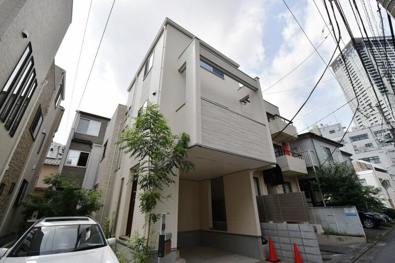 2LDK House to Buy in Meguro-ku Exterior