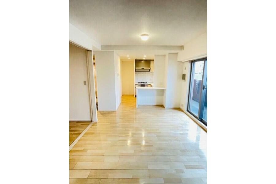 2LDK Apartment to Buy in Osaka-shi Abeno-ku Living Room