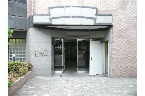 2LDK Apartment to Rent in Minato-ku Exterior
