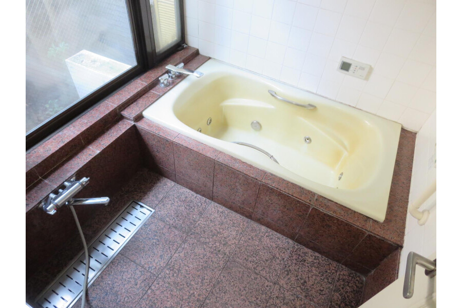 6SLDK House to Rent in Ota-ku Bathroom