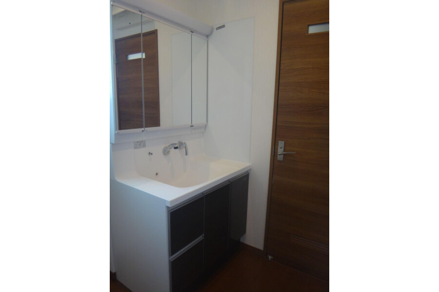 4LDK House to Buy in Inzai-shi Washroom