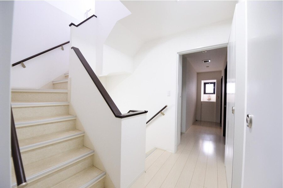 Private Guesthouse to Rent in Shibuya-ku Entrance Hall