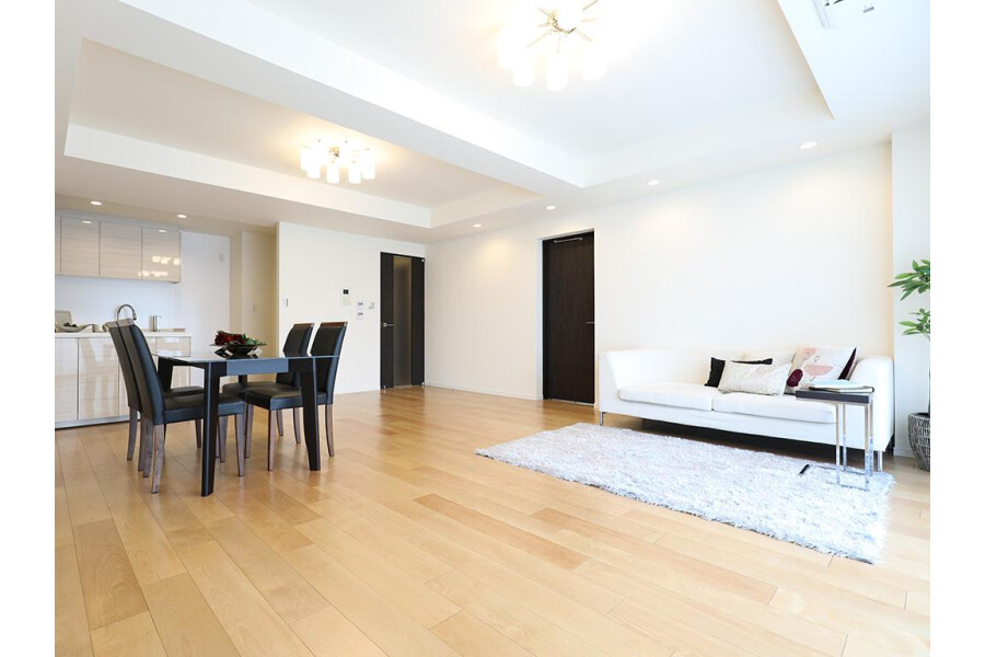 2SLDK Apartment to Buy in Meguro-ku Living Room