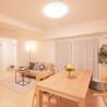 在大阪市北区购买2SLDK 公寓大厦的 起居室