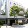 2LDK Apartment to Rent in Meguro-ku Entrance