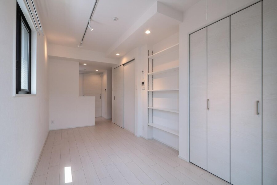 Whole Building Apartment to Buy in Meguro-ku Bedroom