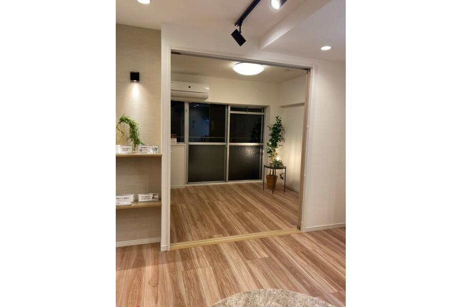 1DK Apartment to Buy in Bunkyo-ku Interior