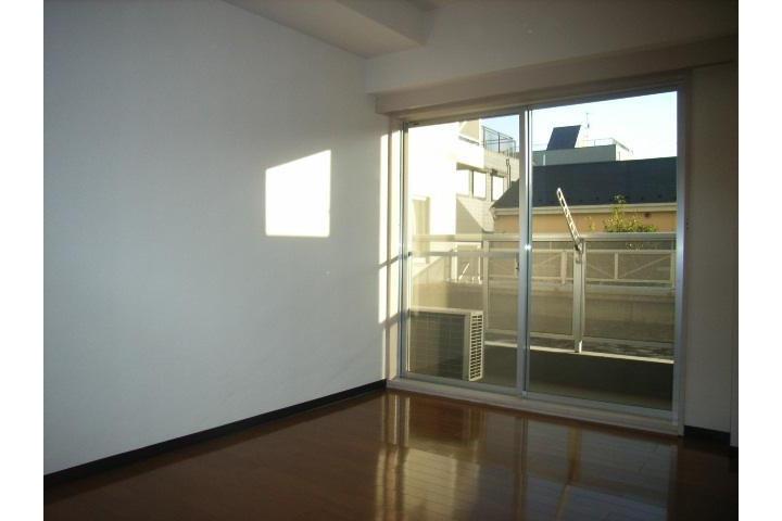 2LDK Apartment to Rent in Adachi-ku Interior