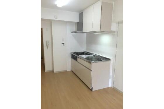 3DK Apartment to Rent in Yokohama-shi Naka-ku Interior