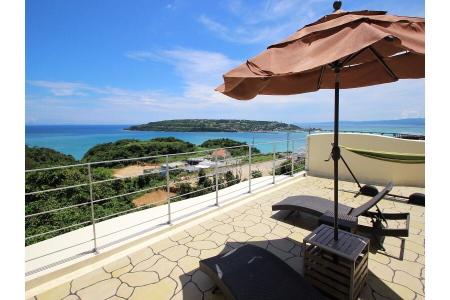 4LDK Holiday House to Buy in Kunigami-gun Nakijin-son Balcony / Veranda