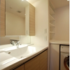 3LDK Apartment to Rent in Minato-ku Washroom