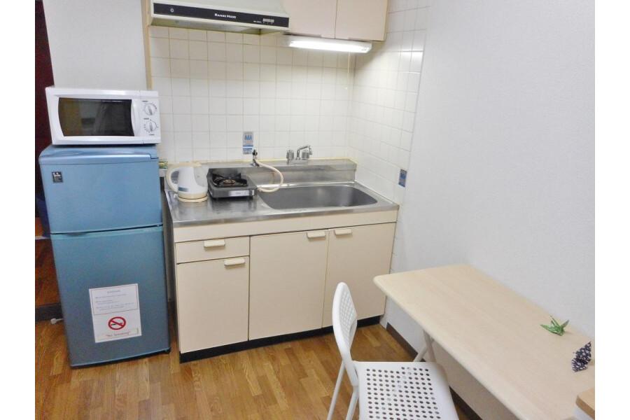 1R Apartment to Rent in Osaka-shi Nishiyodogawa-ku Kitchen