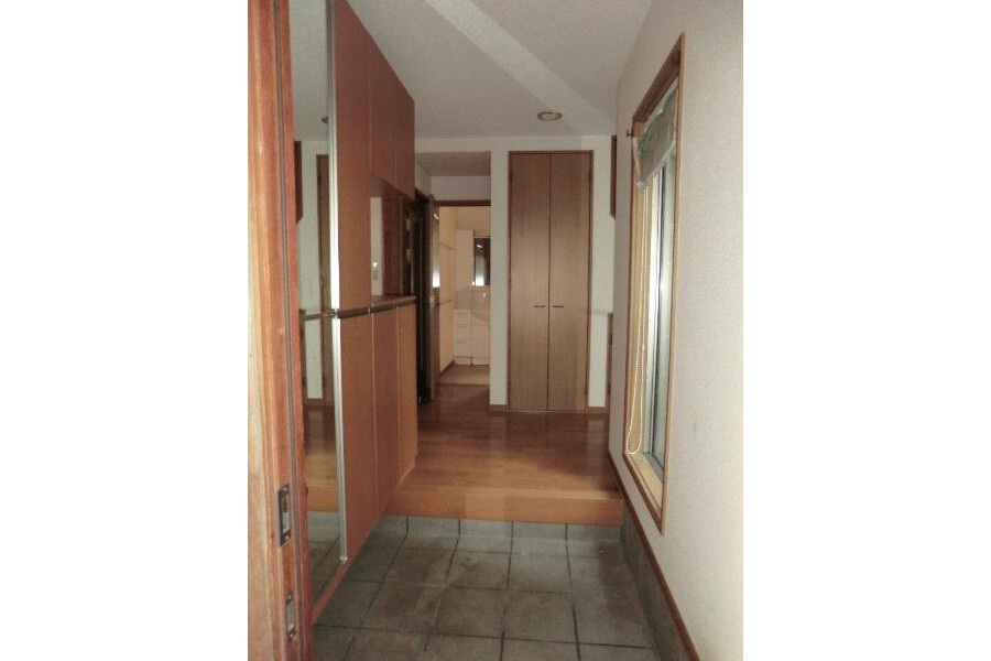5SLDK House to Buy in Kyoto-shi Sakyo-ku Entrance