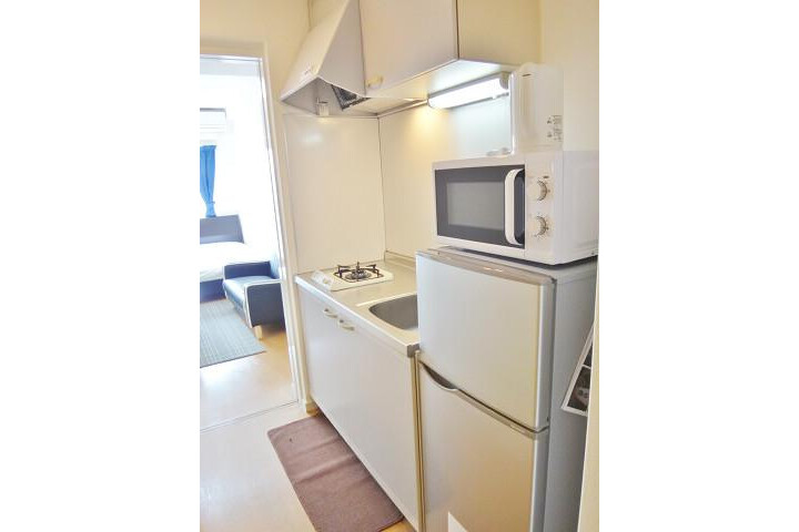 1K Apartment to Rent in Osaka-shi Naniwa-ku Kitchen