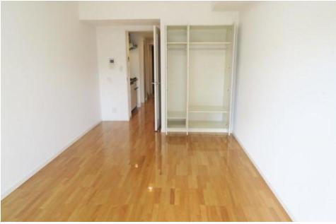 1K Apartment to Rent in Chiba-shi Chuo-ku Storage