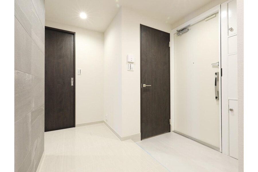 3SLDK Apartment to Buy in Meguro-ku Entrance