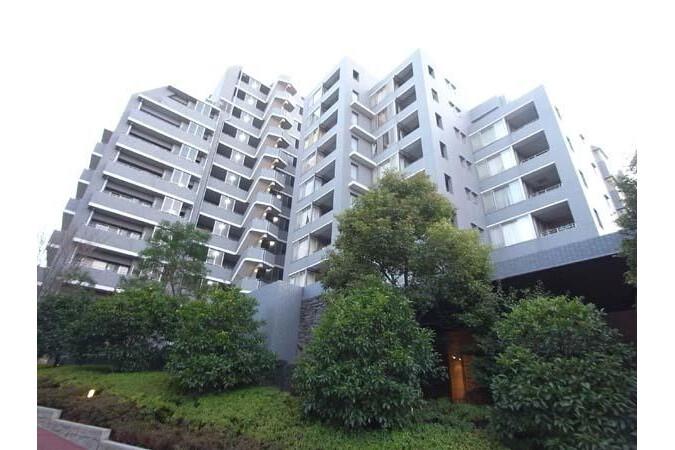 2SLDK Apartment to Rent in Shinjuku-ku Interior