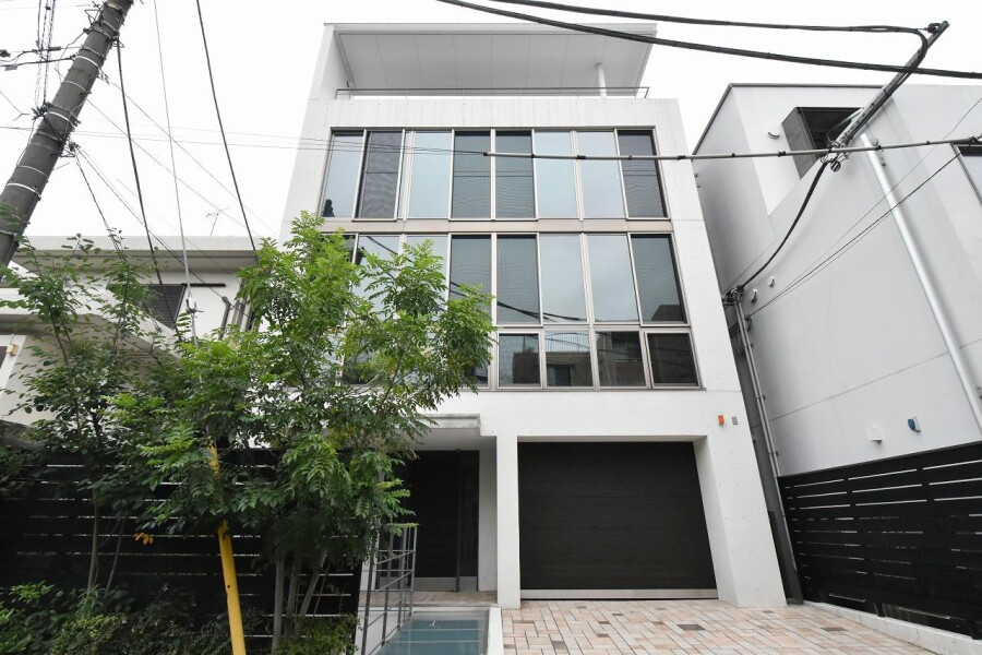 7LDK House to Buy in Shibuya-ku Exterior