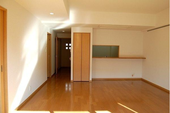 2LDK Apartment to Rent in Suginami-ku Exterior