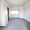 1LDK Apartment to Rent in Kawasaki-shi Takatsu-ku Room