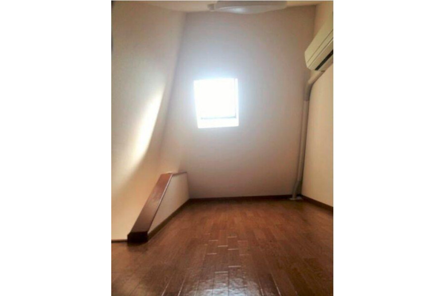 2K Apartment to Rent in Meguro-ku Living Room