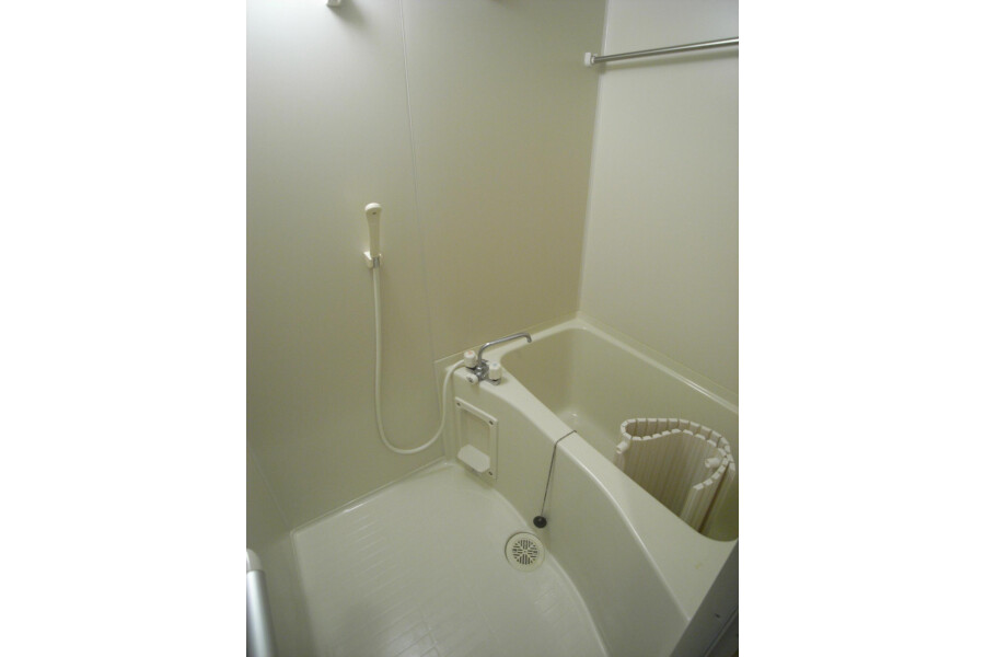 1R Apartment to Rent in Kawasaki-shi Takatsu-ku Bathroom