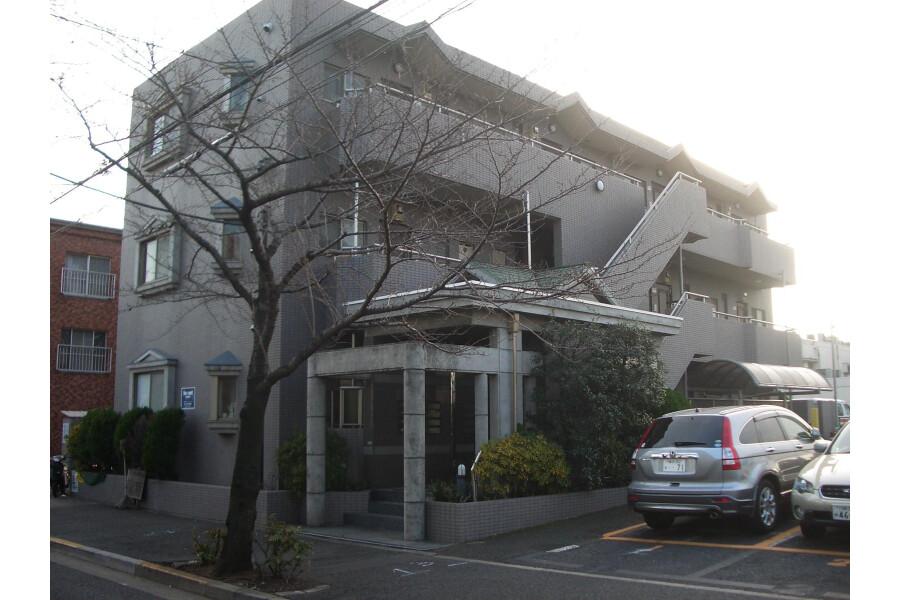 2DK Apartment to Rent in Setagaya-ku Entrance